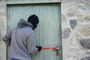 criminals and thieves may rob your vacant or unoccupied home - Long Island NY