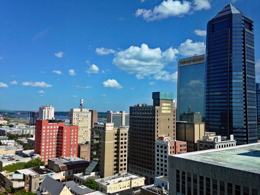 City sky view of Jacksonville FL on the sell your house fast in Jacksonville FL page