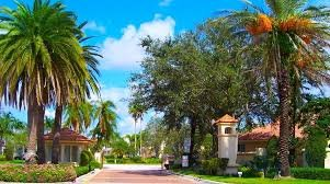 Entry drive to Pembroke Pines neighborhood