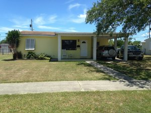 we buy all ugly houses in Miami Shores FL
