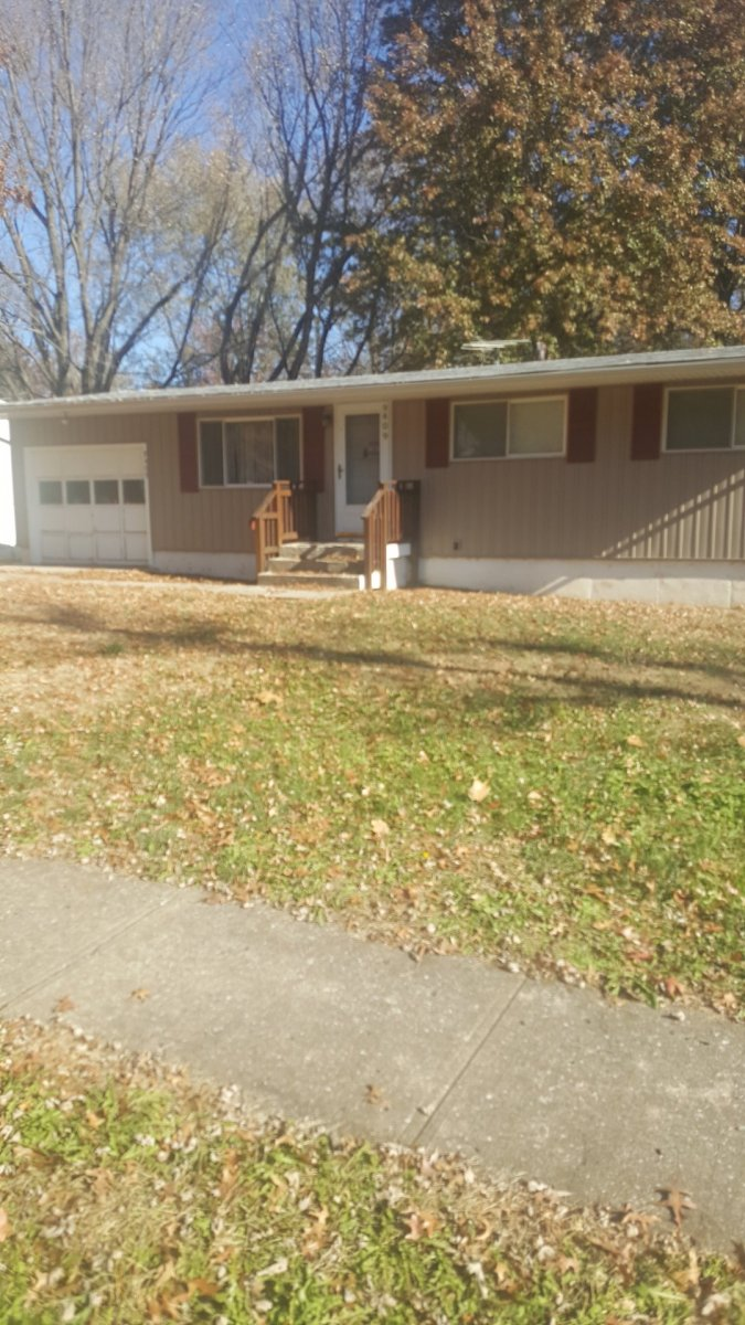 Hot Buy And Hold By The Cerner Campus! 9409 Farley Ave, Kansas City