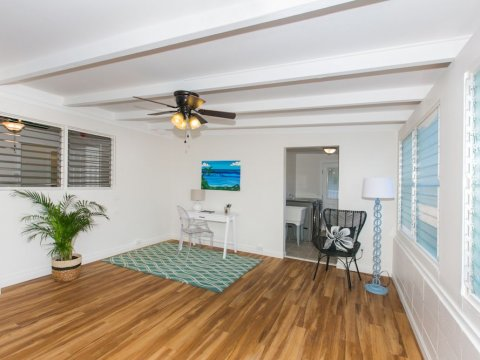 Kailua-Single-Family-House-for-Sale-949-Kahili-St-family-room