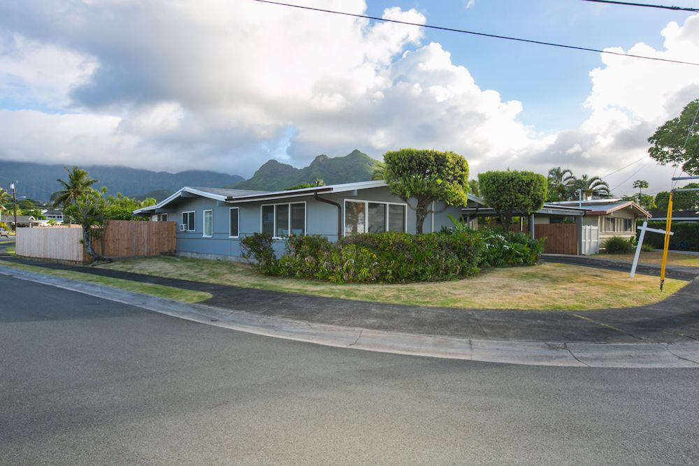 Kailua-Single-Family-House-for-Sale-949-Kahili-St-front