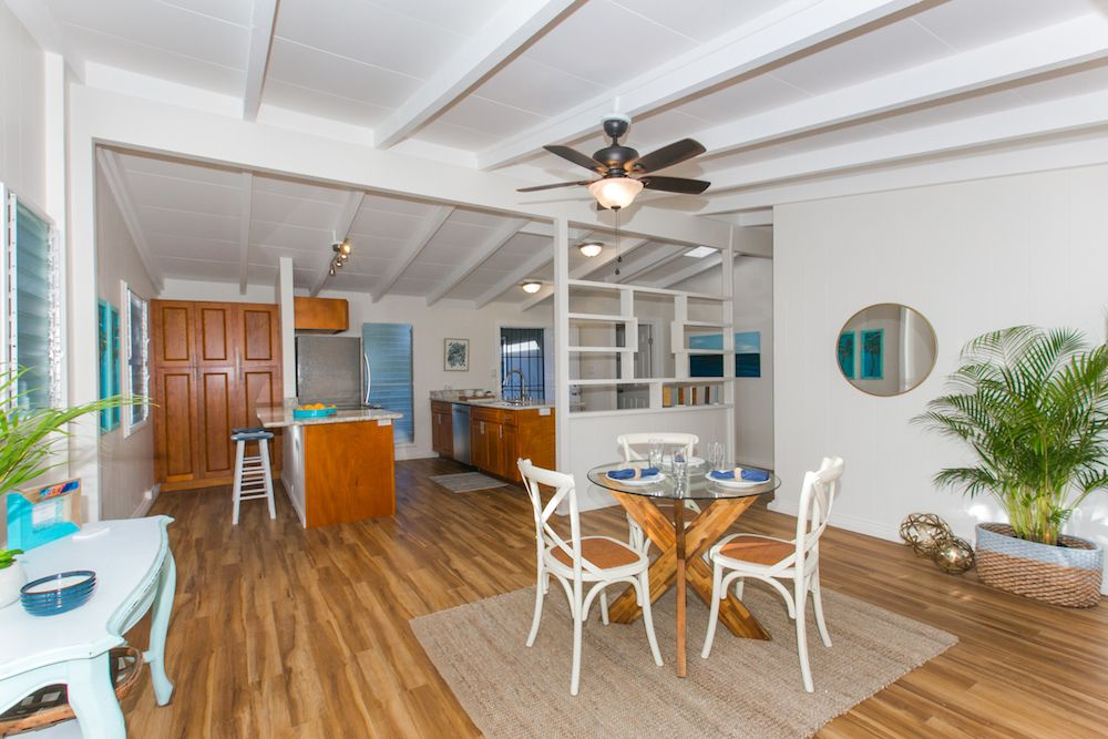 Kailua-Single-Family-House-for-Sale-949-Kahili-St-living-room-2