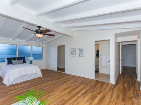 Kailua-Single-Family-House-for-Sale-949-Kahili-St-master-bedroom