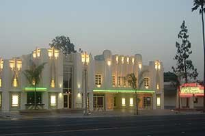fontana_center_stage_theater_-_panoramio