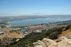 lake_elsinore_view