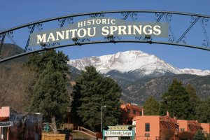 We Buy houses Manitou Springs