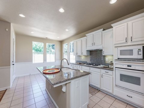 2726 Mary Ave, Sanger Ca 93657​