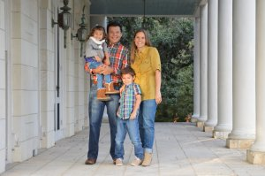 James Vasquez & Family with HouseBuyerSanAntonio.com