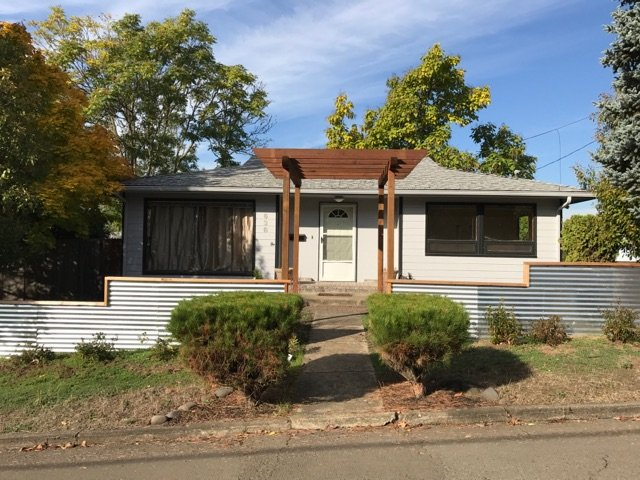Nice Large 2 Bedroom Home For Rent