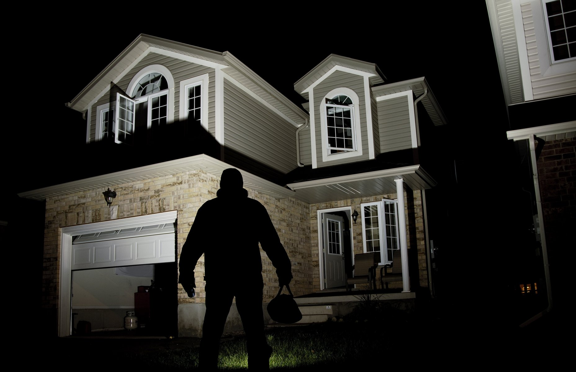 Home Security 101 - Selling Nevada Houses
