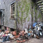 5 tips to selling a hoarder house fast
