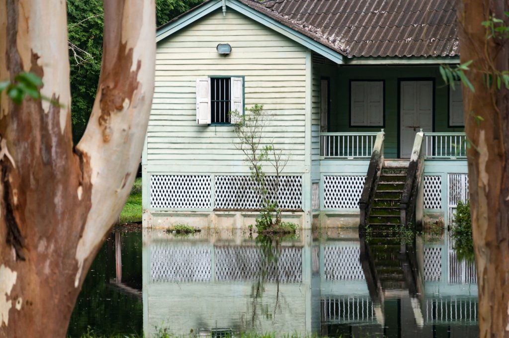 Determining if You Should Sell Your Houston Flooded Home