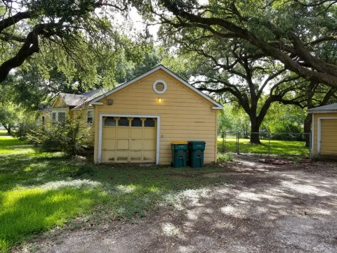 Homes For Sale In TX: La Marque 77568 – Holly 2BR