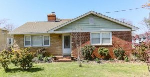 "We buy houses in <a href=""/we-buy-houses-edgewater-md"">Edgewater</a>"
