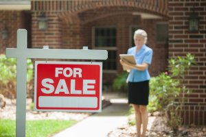 Working with a professional can make selling a house during a divorce easier