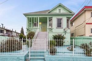 We Buy House in Oakland CA!
