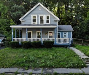 We Buy Houses in Massachusetts.! Call (855) 741-4848 For Your CASH Offer Today!