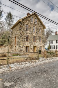 Selling a historic house in Maryland requires you to work with the historic societies