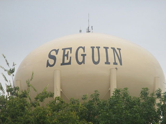 Seguin TX water tower on the sell your house fast in Seguin page