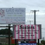 Floresville TX -- Sisters Boutique Hwy 181