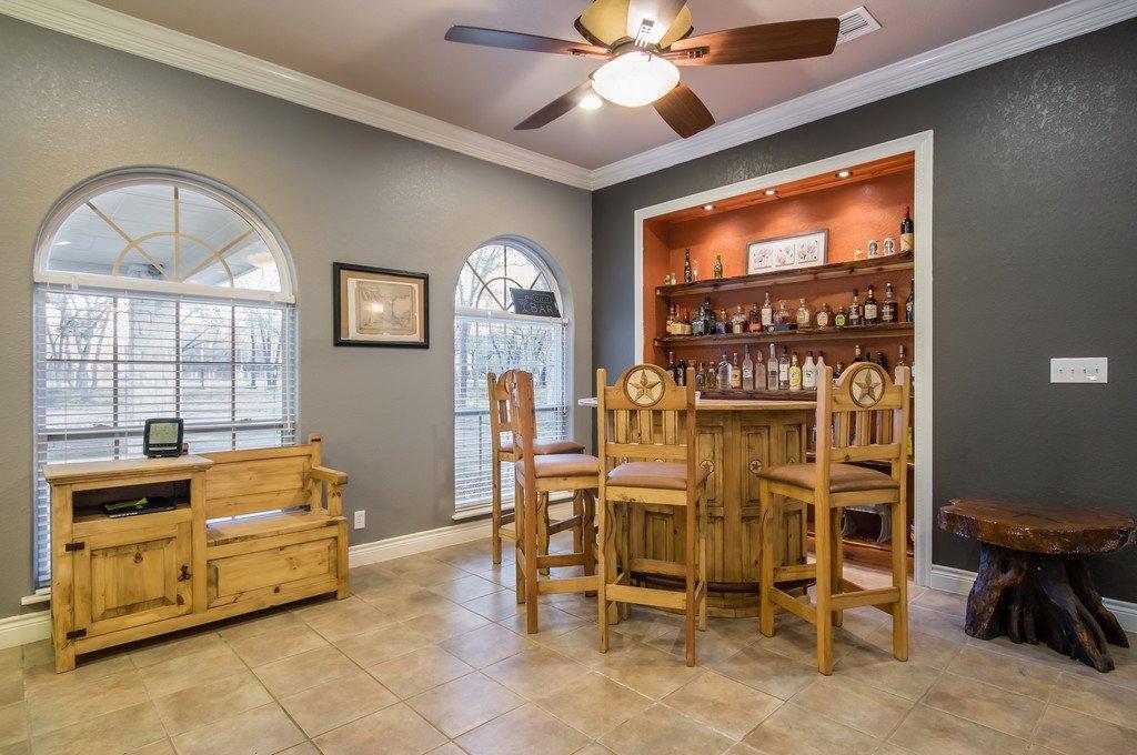 Floresville Tx - home for sale - sr bar