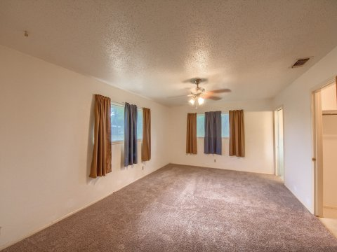 Home for sale Floresville TX master bed