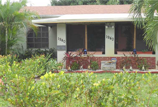 1940 HAYES ST, HOLLYWOOD, FL. 33020 - IRG Corporation
