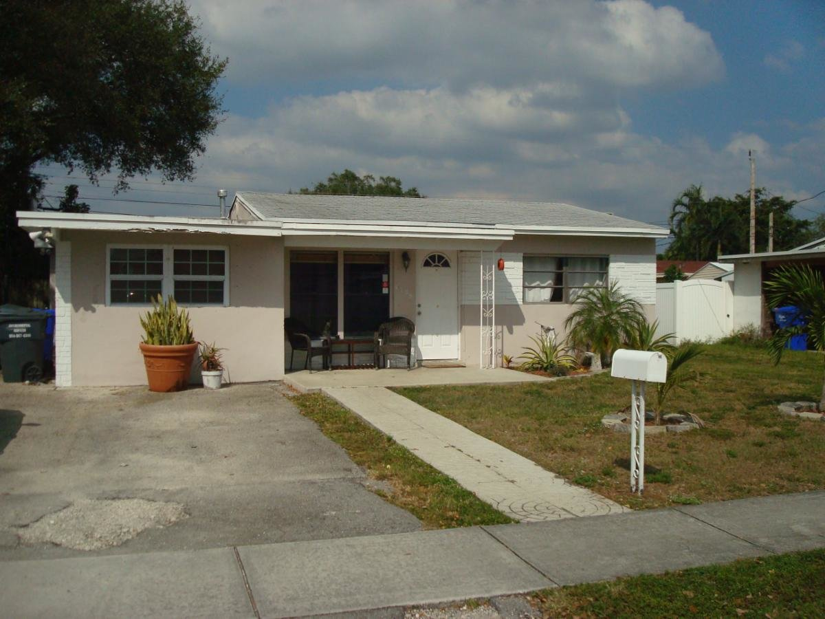 6729 SIMMS ST, HOLLYWOOD, FL. 33024 - IRG Corporation