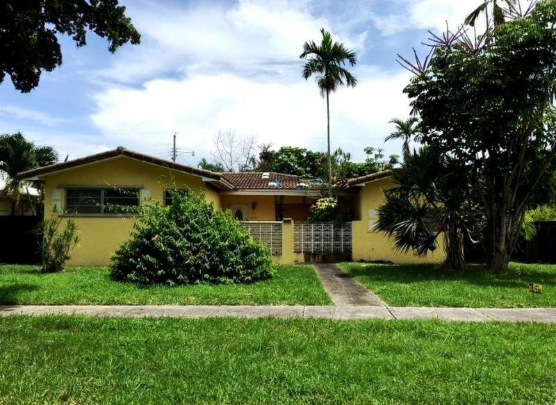 1190 MEADOW LARK AVE, MIAMI SPRINGS, FL. 33166 - IRG Corporation