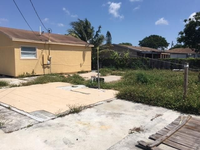 4286 CLINTON BLVD LAKE WORTH FL 33461 - IRG Corporation