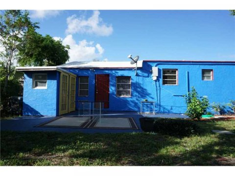 2130 RODMAN ST, HOLLYWOOD, FL 33020 - IRG Corporation