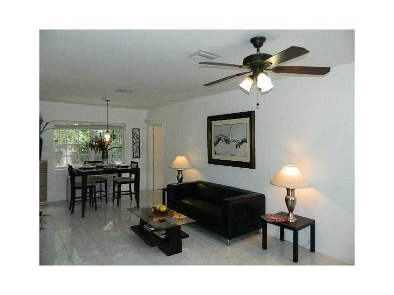 1658 N DIXIE HWY, FORT LAUDERDALE, FL 33305 - IRG Corporation