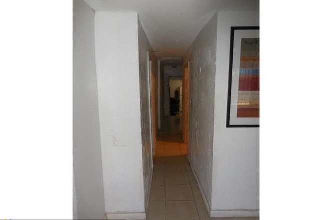 2890 NW 14TH CT., FORT LAUDERDALE FL 33311 - IRG Corporation