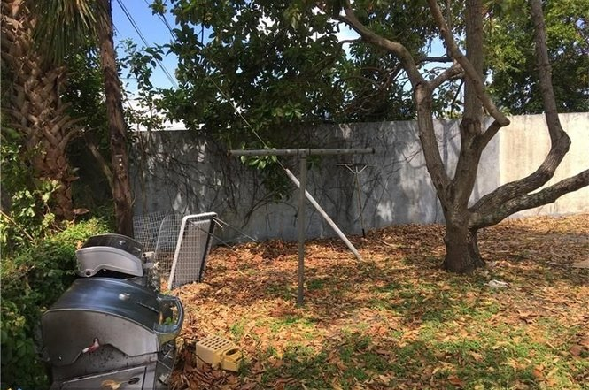 1501 NW 18 COURT, FORT LAUDERDALE, FL 33311 - IRG Corporation