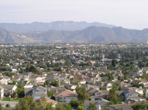 a real estate agent in camarillo can help you buy a home like these located in Camarillo