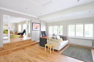 picture of a living room taken when buying a home in simi valley