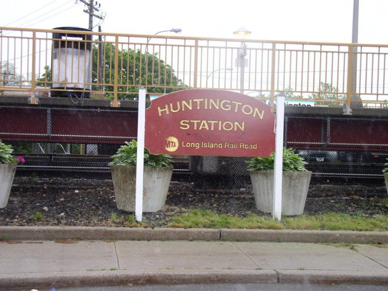 We Buy Houses For Cash in Huntington Station NY
