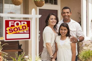 Austin Texas Direct Home Buyers Young Family with Sold House