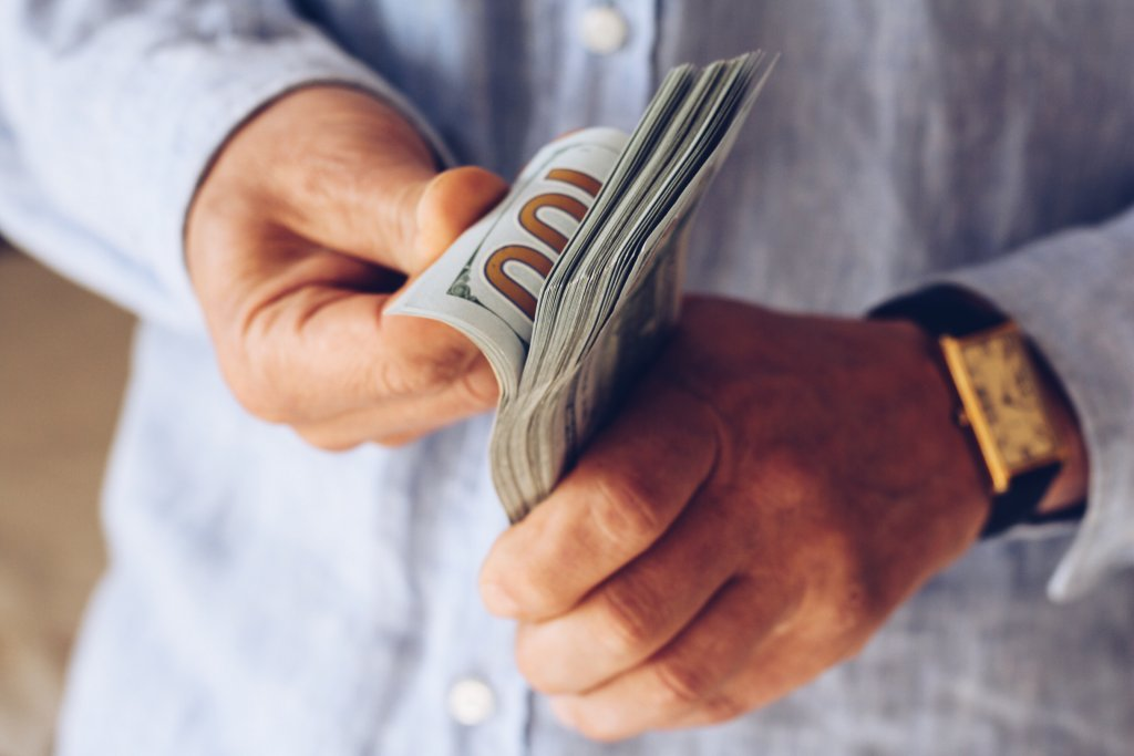 Benefits of selling a house for cash in Chicago, IL