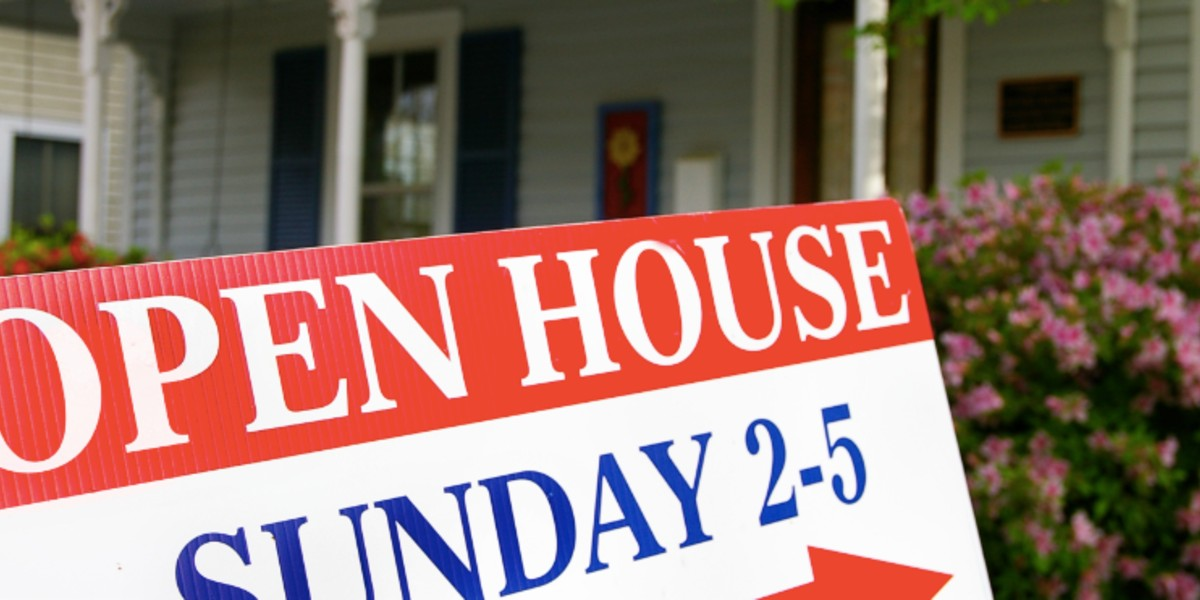 do these things before selling your house | open house sign