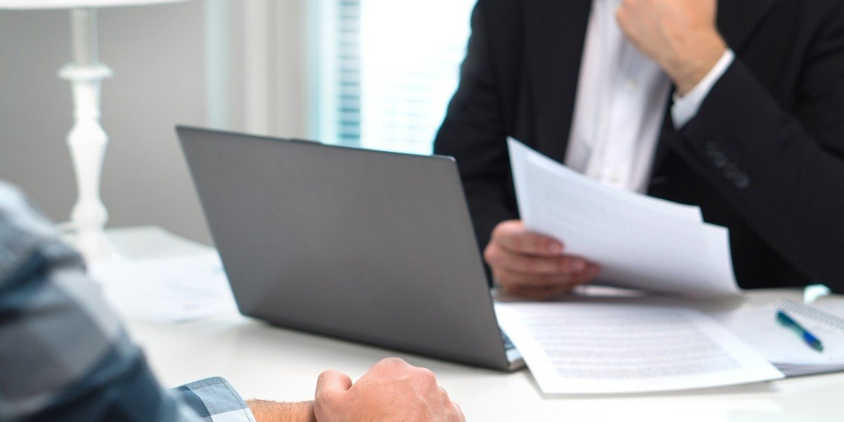 disadvantage of selling to an investor over a traditional buyer   business meeting