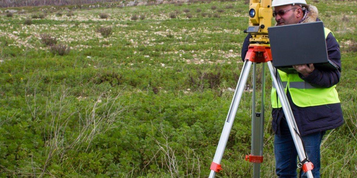 Who Pays When Selling Land | land surveyor