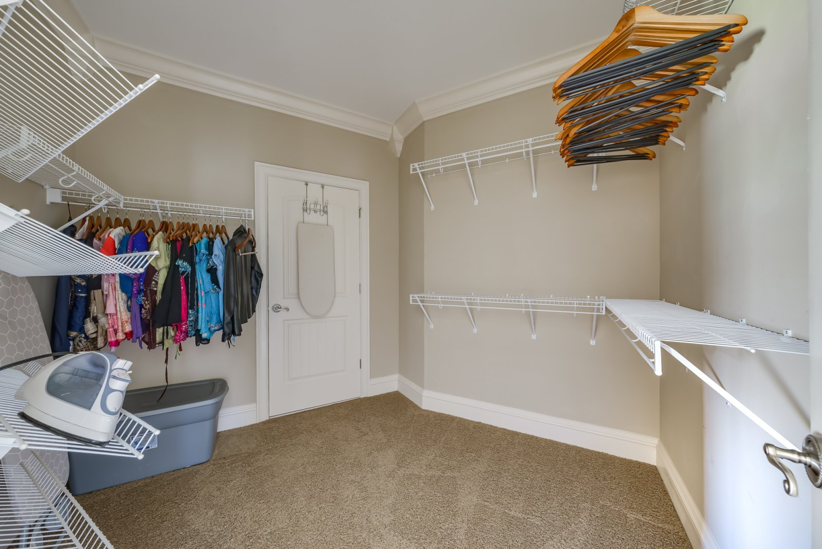 Closet to 2nd Master bedroom