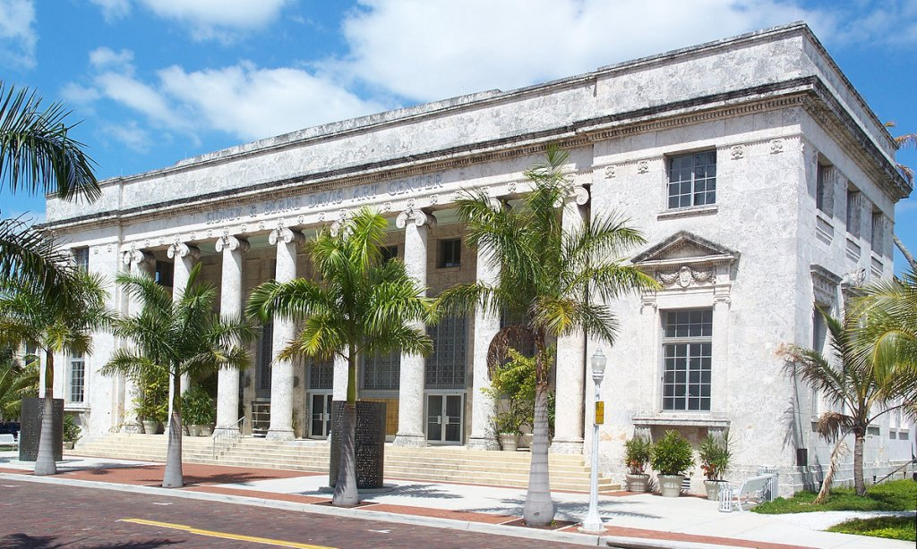 the courthouse in Fourt Myers FL