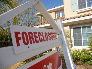 how does foreclosure affect credit