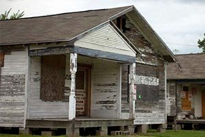 We buy houses in Kingwood, in any condition!