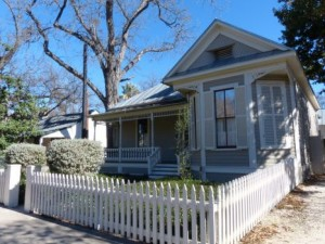 We buy houses any condition in Louisville KY with cash