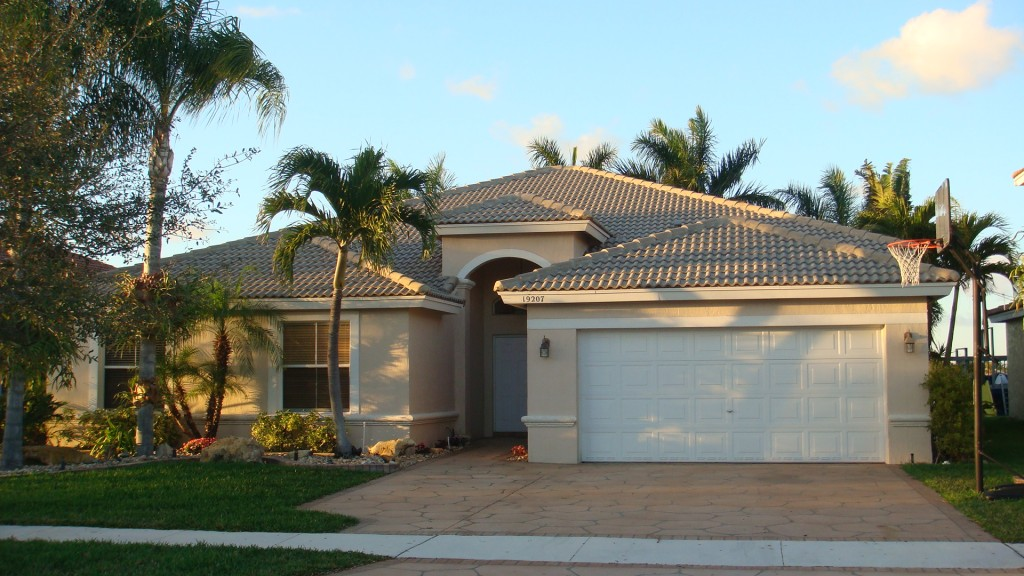 The investors guide to purchasing hud homes in miami for Home builders guide